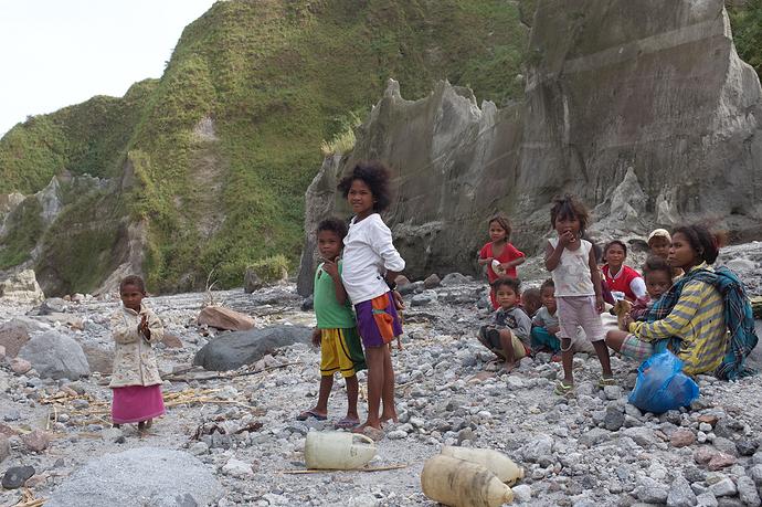 mc-20131123-083858-Pinatubo-0166